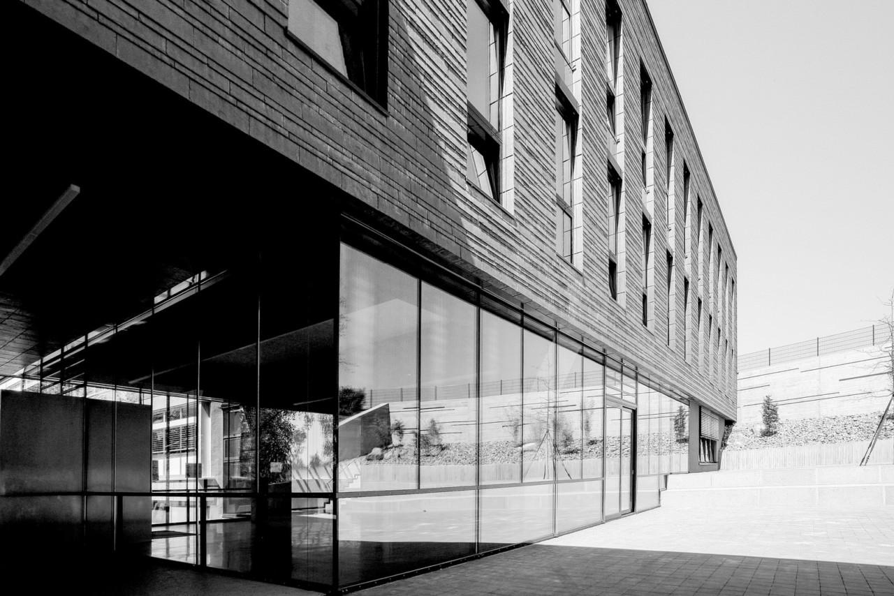 Hildebrand + Schwarz Architekten, Friedrichshafen Verbindungsgebäude Schulzentrum Ailingen ↗